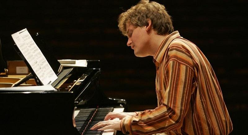 Фински пијанист Оли Мустонен гостува во Скопје