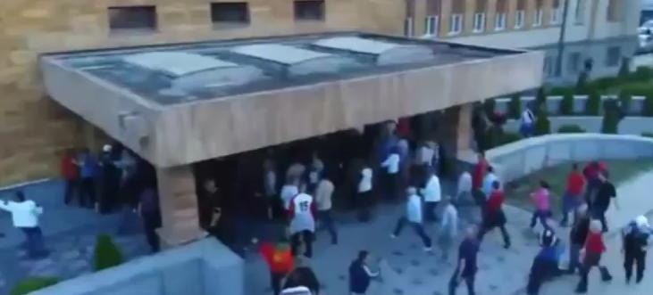 Народот влезе во Собранието на Македонија