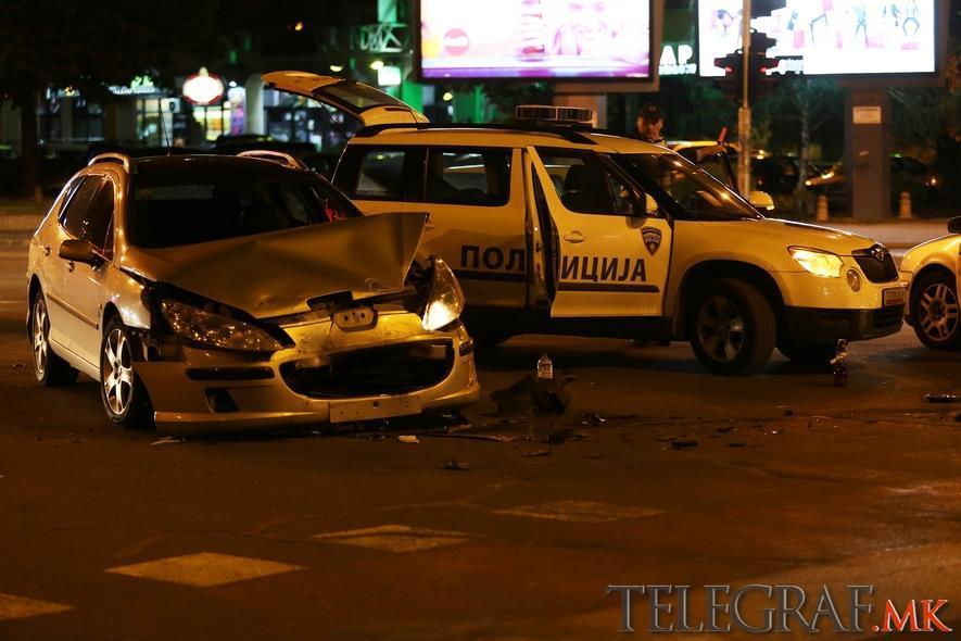 Тешка сообраќајка на Партизанска  Брзал за во болница и завршил на ургентен