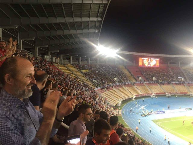 Трајановски ги бодреше  Вардарци  од трибините  Ајде Вардар  Скопје е со тебе