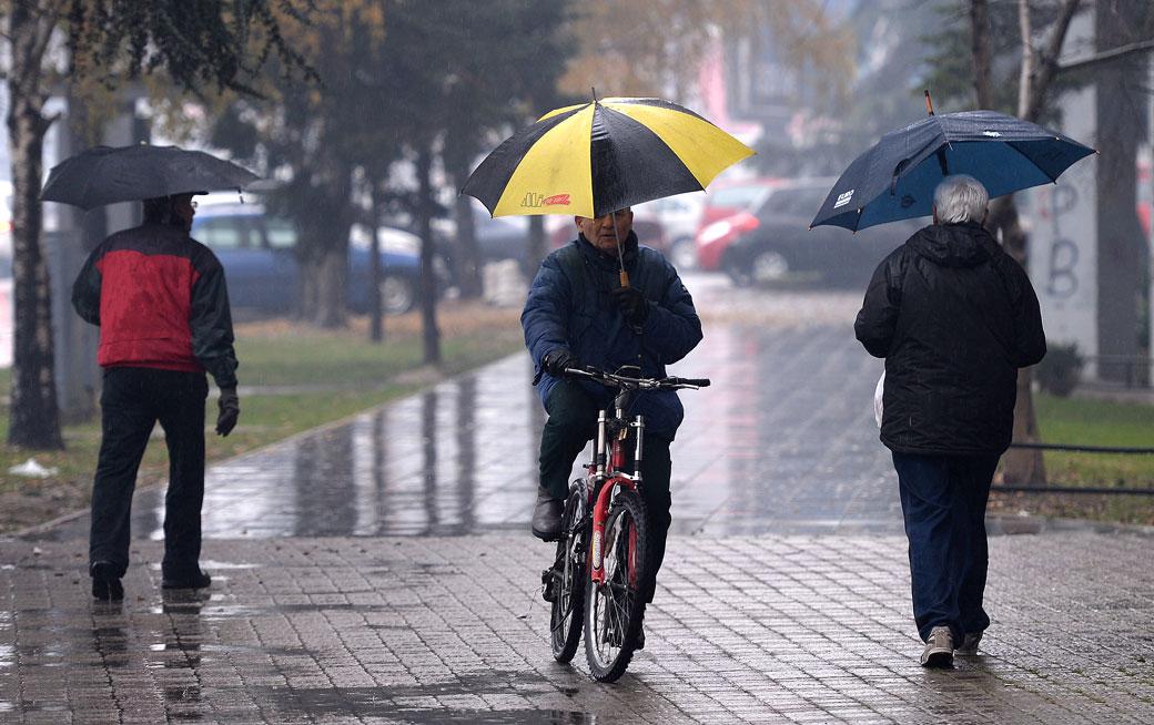 УХМР  За викендот дожд и пад на температурата