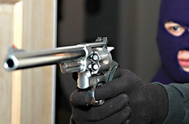 Грабеж како на филм   Маскирани лица со пиштол и нож ограбиле пошта