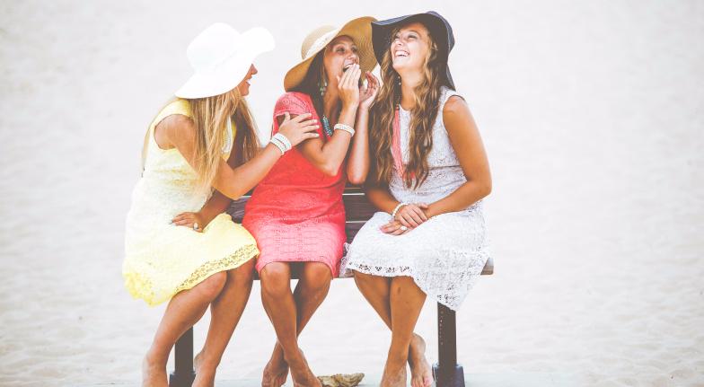 Зошто не треба да ги забораваме пријателите додека сме во врска