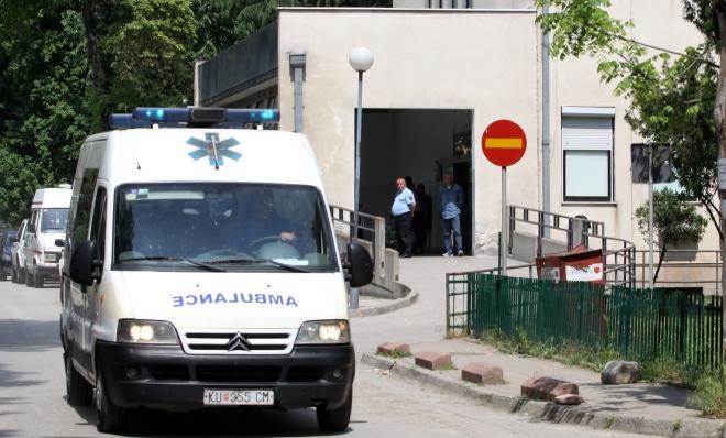 Прегазено шест годишно девојче се бори за живот на скопските клиники
