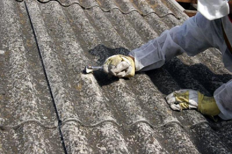 Општина Карпош на 37 куќи ги смени азбесните покриви