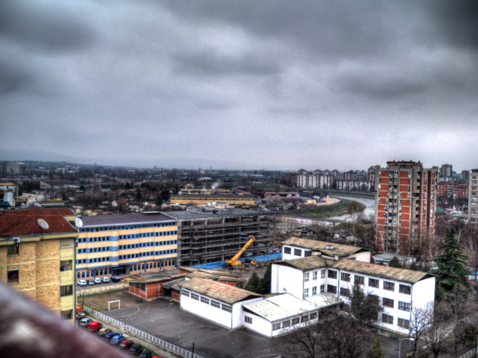 Невреме со пороен дожд доаѓа кон скопскиот регион
