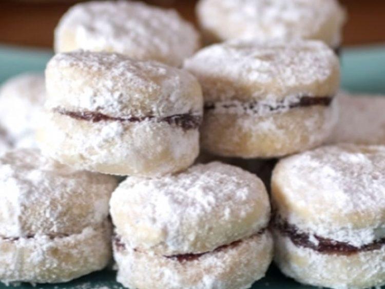 Рецепт кој ќе ве врати во детството  Вкусни ванилици