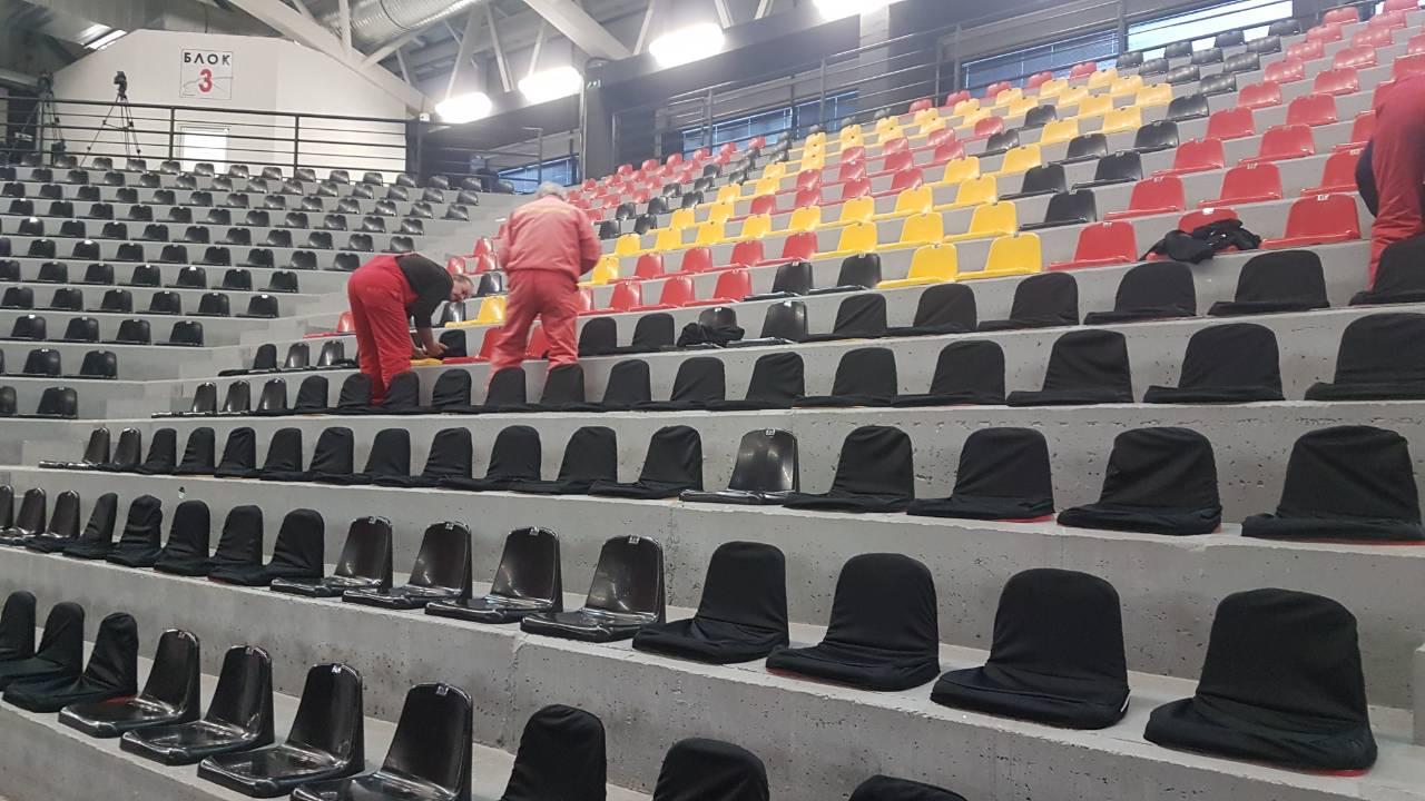 Желбата на  Фемили  исполнета  нема повеќе црвени столчиња во  Јане Сандански