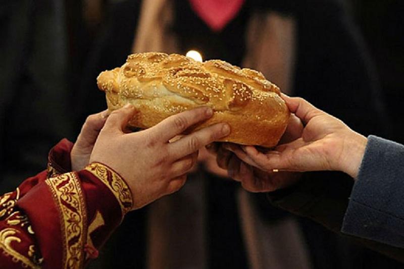 Утре се слави Стара нова година  а во недела Василица