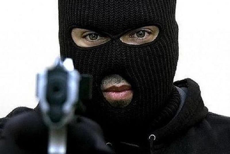Скопјанец со пиштол ограбувал аптеки и им се заканувал на вработените