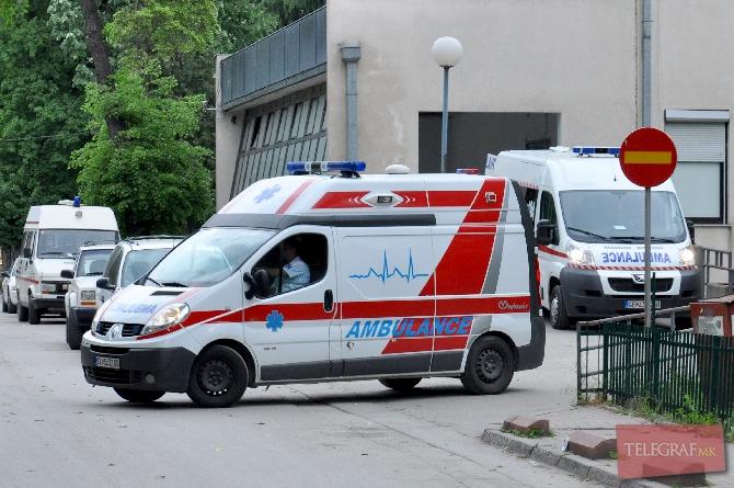 Тешка сообраќајка во Скопје  Повреден моторциклист префрлен на Клиника